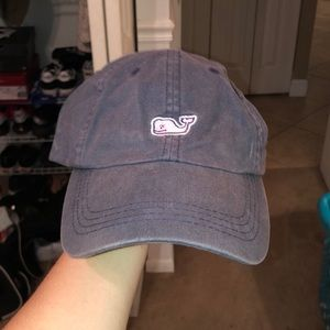 Vineyard vines hat. Unisex. Navy color
